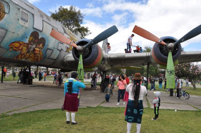 WWII planes make the best playgrounds: Parque La Carolina, Quito