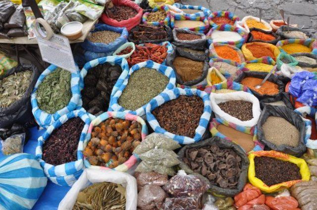 Spices, Otavalo market