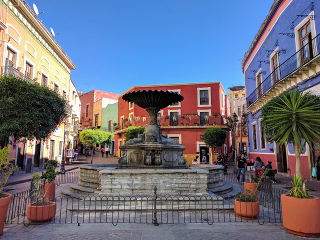 Plaza del Baratillo, my favorite place to take a break from classes
