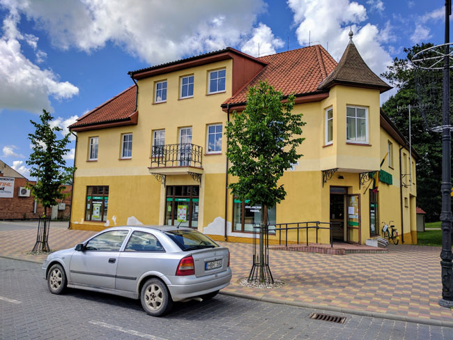 House in Pagėgiai (formerly Pogegen) where my great-grandparents Helene and Gustav Bieber had their textile shop. Now a supermarket.