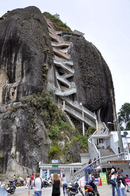 Day trip to Guatapé from Medellín. Climbing la Piedra Del Peñol.