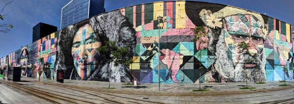 Largest street mural in the world, Rio - learn Portuguese Rio de Janeiro