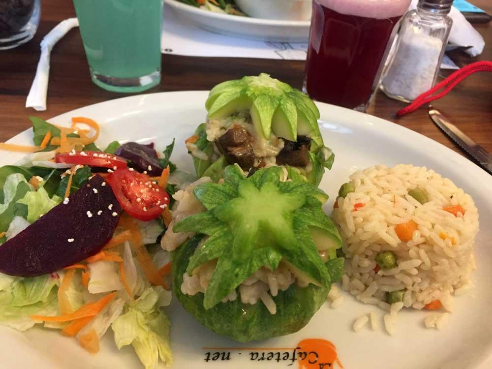 La Cafetera Restaurant, lunch special - US $3.50