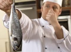 pesce avariato durante il cenone ispezioni dei Nas