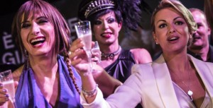 Francesca Pascale e Luxuria brindano al Gay Village