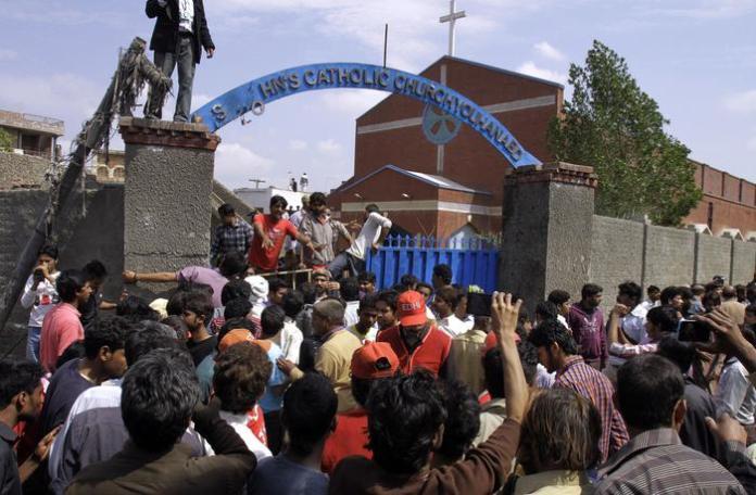 Una delle chiese attaccate dai Taliban (Ansa-Ap/Chaudary)