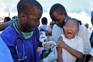 medici vaccinazione anti virus ebola morbillo africa