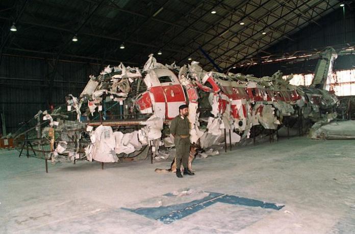 Il DC-9 dell'Itavia ricostruito nell'hangar di Pratica di Mare