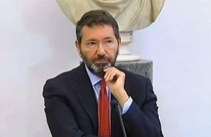 Il sindaco Marino durante la conferenza stampa