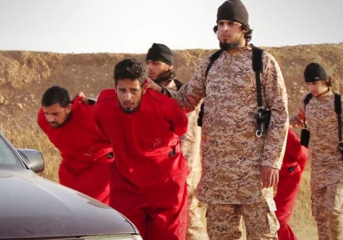 Orrore Isis, Isis Horror - miliziani dell'Isis conducono i prigionieri in auto