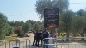 I Carabinieri presidiano la fabbrica Bruscella a Modugno