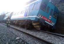 maltempo, treno deragliato a Biella