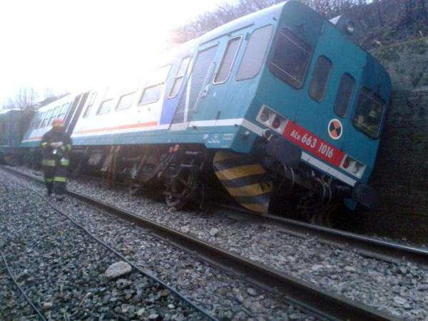 maltempo, treno deragliato a Biella per ciclone
