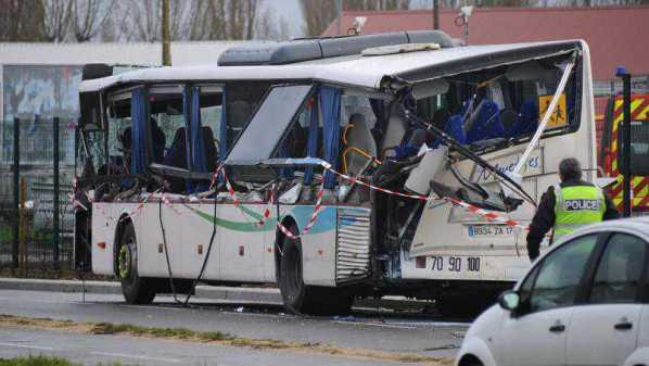 Scontro autobus Tir in Francia, morti studenti