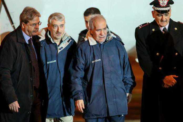 """Rapiti in Libia, Gentiloni: """"Non abbiamo pagato nessun riscatto"""""""