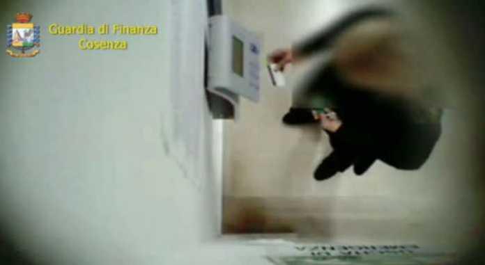 Assenteismo. Furbetti del cartellino all'Asp di Rossano. 9 arresti