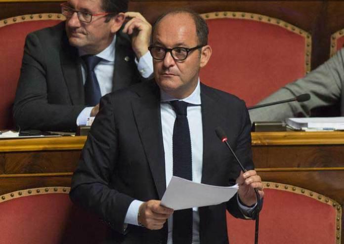 il senatore Antonio Caridi in aula
