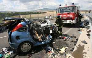 Strage sulla statale 106 jonica, morti tre giovani nel Catanzarese
