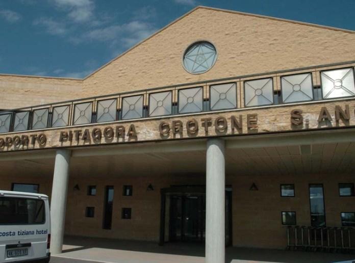 """Il gruppo """"iGreco"""" interessato a gestire l'aeroporto di Crotone"""