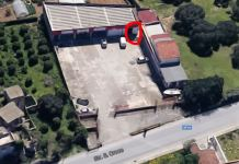 Il negozio di autoricambi sulla SP 18 a Santa Croce Camerina dove è stato ucciso Salvatore Nicosia