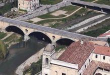 suicidio Cosenza Ponte Alarico