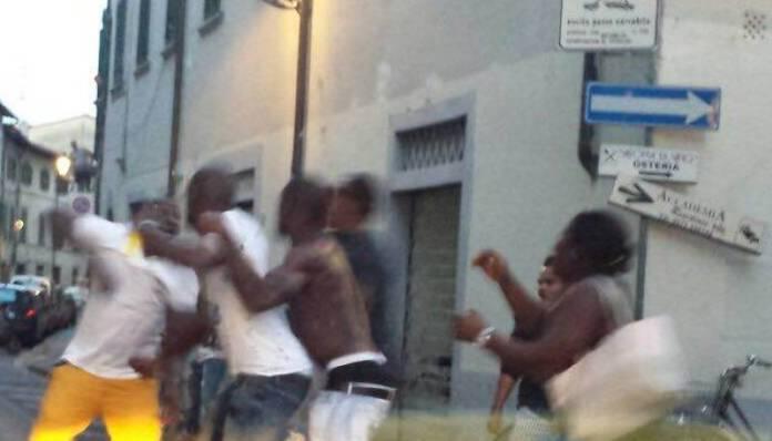 Violenta rissa in via dei Mille a Cosenza, arrestate 4 persone