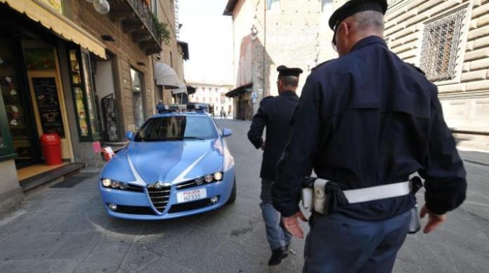 Polizia a Roma arresta autore della rapina a commerciante