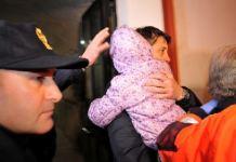 Milano bimba veglia la madre morta