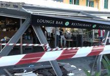 La veranda del bar distrutta dal Suv a Santa Margherita Ligure
