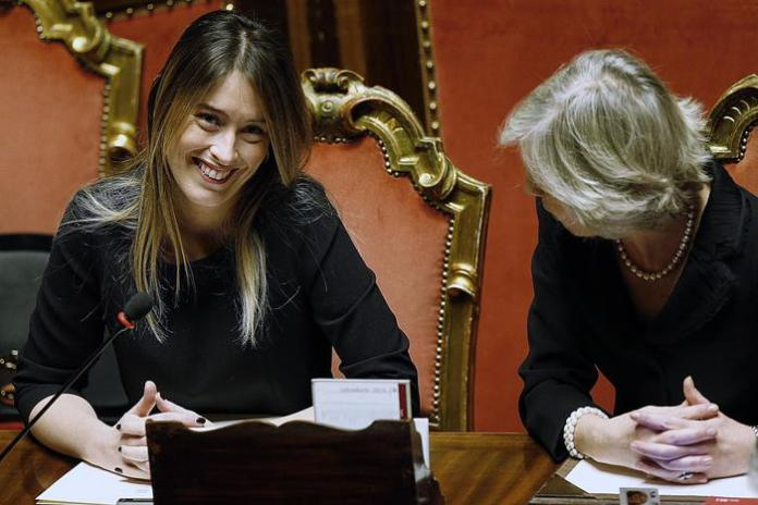 Il ministro per le Riforme Maria Elena Boschi con il ministro Giannini