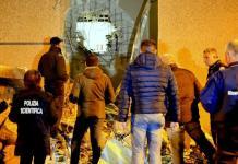 Polizia sul luogo dove un commando di almeno una quindicina di persone ha assaltato il caveau