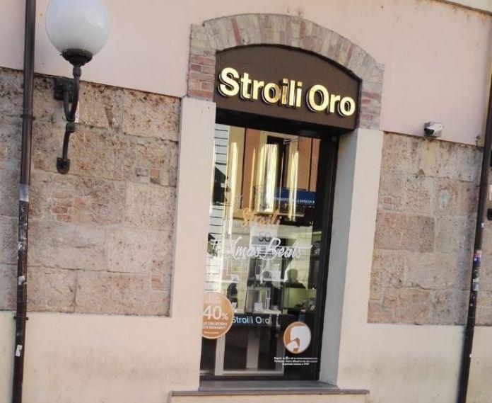 La gioelleria Stroili Oro su Corso Mazzini a Cosenza