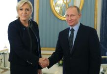 Marine Le Pen e Vladimir Putin al Cremlino