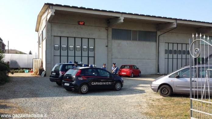 Carabinieri capannone