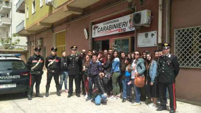 incontri carabinieri petilia scuole