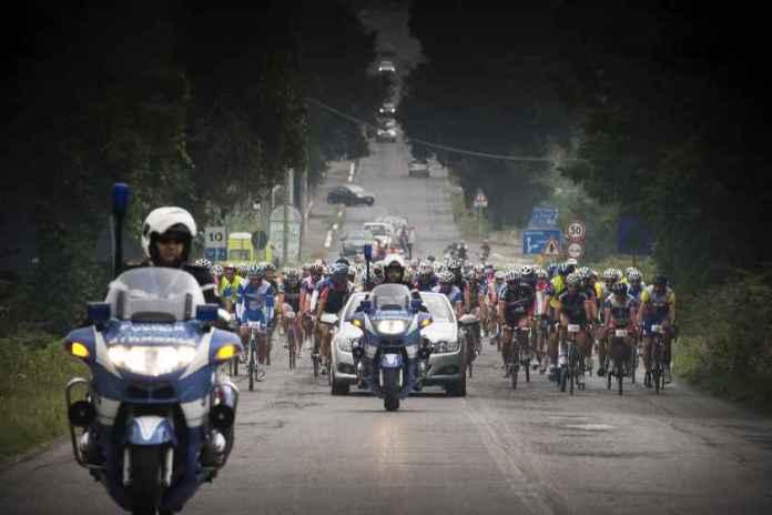 scorta_gara-ciclistica