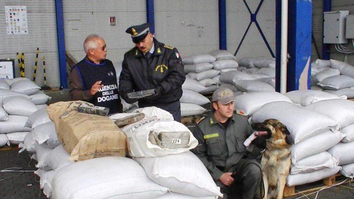 agenzia dogane finanza cocaina