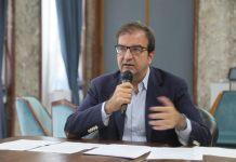 Mario Occhiuto durante la conferenza stampa sulla gestione idrica a Cosenza
