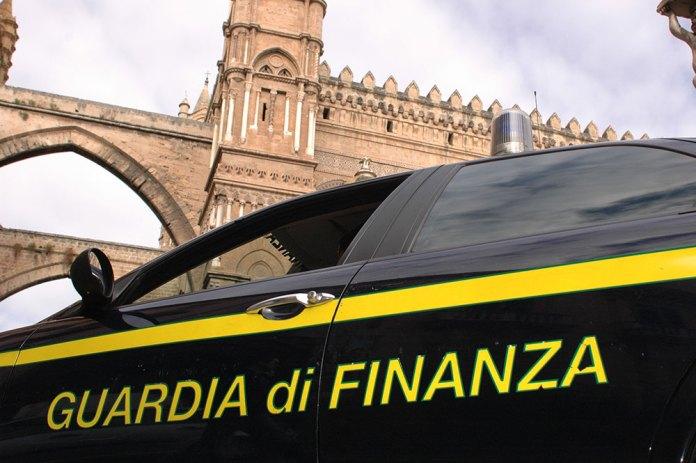 Auto guardia di Finanza