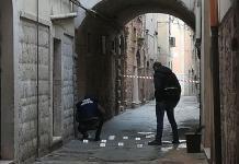 Le forze dell'ordine sul luogo dell'uccisione di Anna Rosa Tarantino