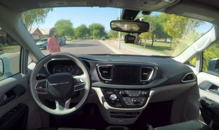 Chrysler Pacifica Hybrid Waymo