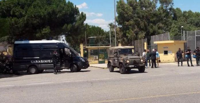 centro migranti carabinieri