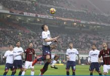 Budimir in un'azione di Milan Crotone