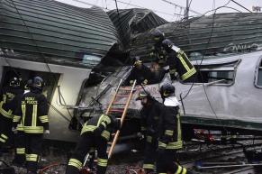 soccorsi sul treno deragliato a Segrate