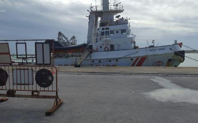 nave Open Arms Ong spagnola Proactiva