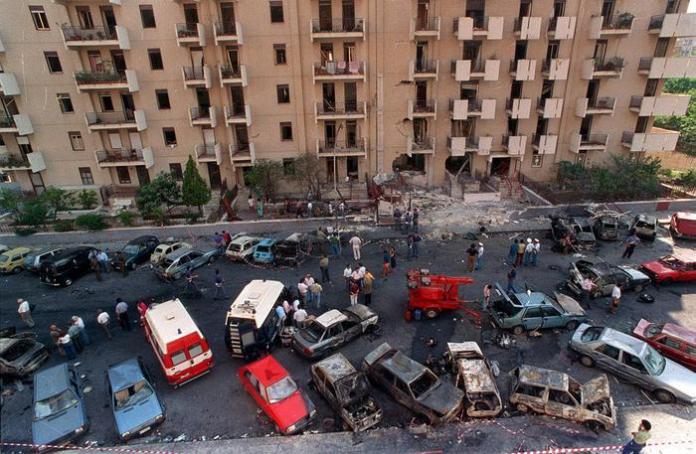 Una foto di archivio di via D'Amelio luogo della strage di mafia che uccise il procuratore aggiunto di Palermo Paolo Borsellino ei cinque agenti che della scorta, Palermo 19 luglio 1992. ARCHIVIO