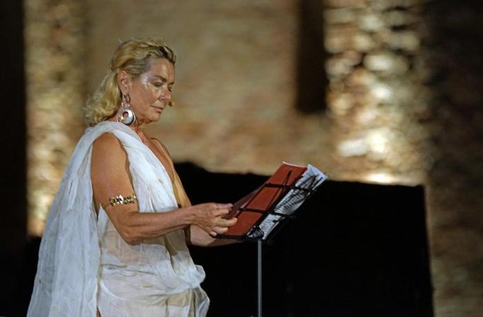 Teatro, Monica Guerritore incanta il pubblico
