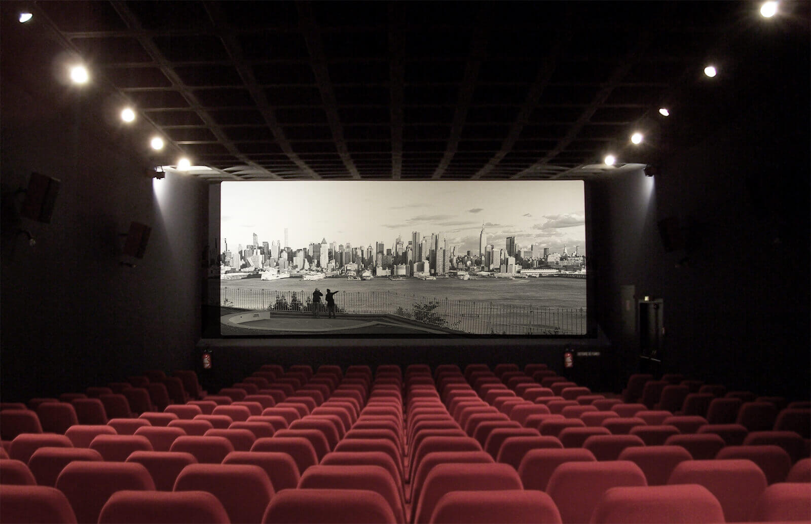 Bonisoli: I film italiani prima al cinema, poi su Netflix