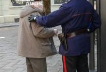 Raggira e deruba un anziano 94enne, presa badante malvivente