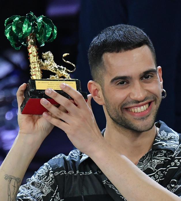 """Festival di Sanremo, vince Mahmood con il brano """"Soldi"""". Ascolti in calo"""